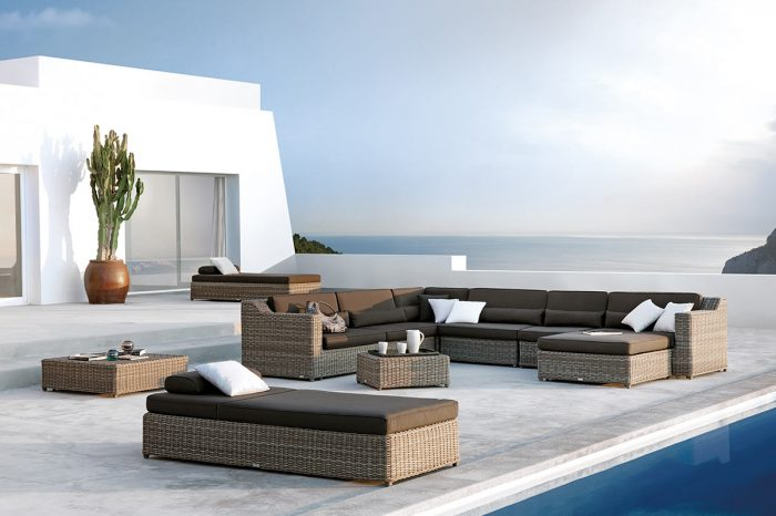Terrace with outdoor furniture: proyect 7